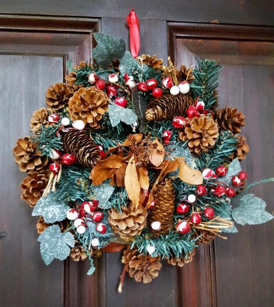 Bożonarodzeniowa wizytówka, czyli pomysły na dekorację świątecznego ogrodu